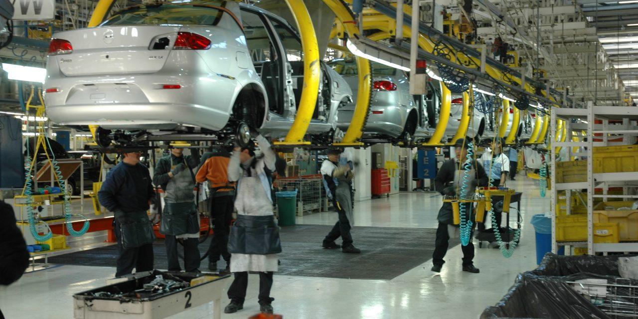 La producción automotriz cayó 18,3% en enero