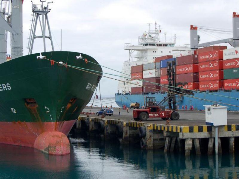 Exportaciones: dice el Gobierno que prepara paquete de medidas