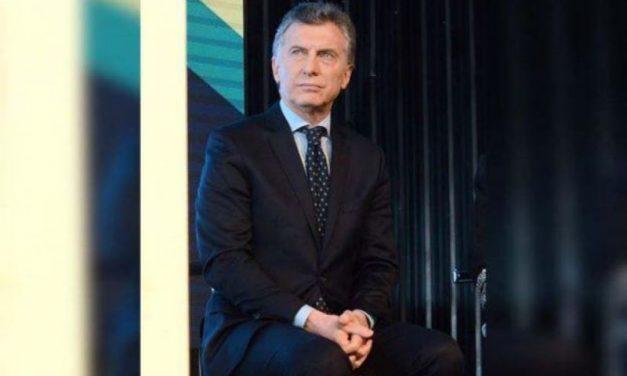 Empujado por la crisis, Macri eliminará 13 ministerios