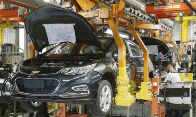 Por la crisis las automotrices funcionan al 35% de su capacidad total