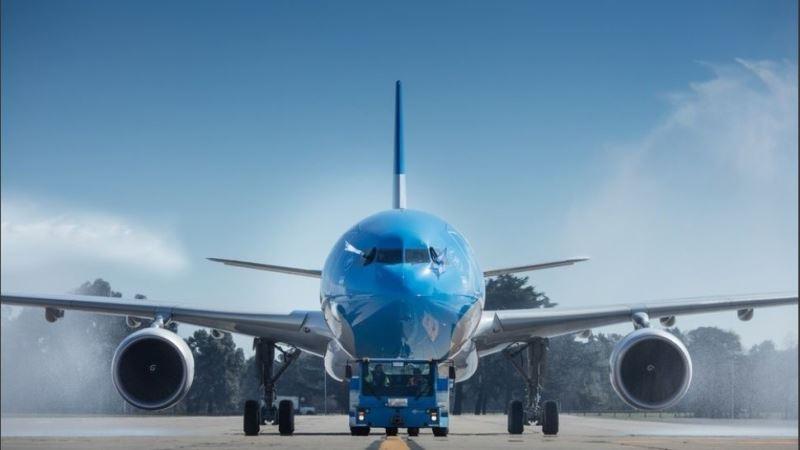 """Aerolíneas Argentinas sale a competir con las low cost: ahora permite """"pagar sólo lo que se usa"""""""