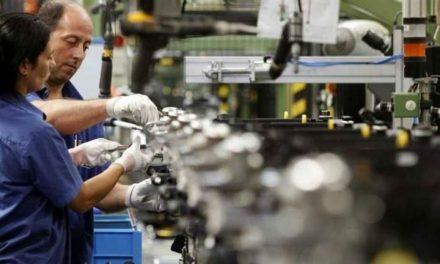 La industria se desplomó 10,7% en diciembre, según la UIA