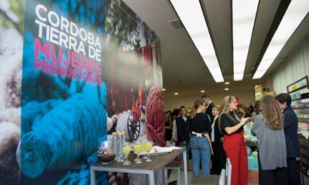 Emprendedoras llegan al Paseo del Jockey con una tienda 'pop up'