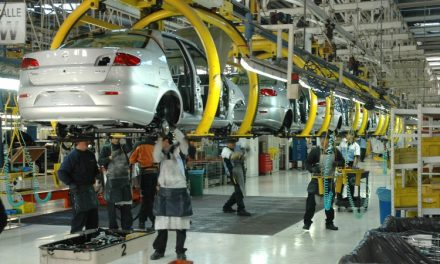 La producción automotriz cayó el 32,3% en enero