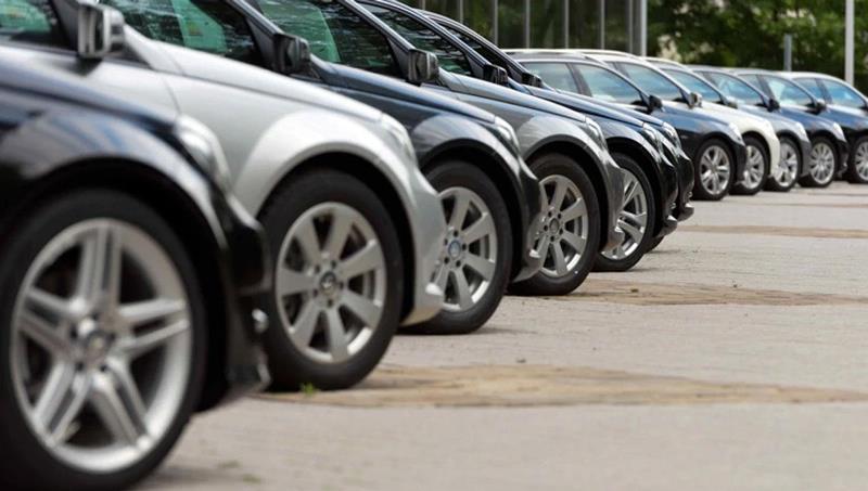 Se derrumbó 56,1% anual en enero la venta de autos a través de créditos prendarios