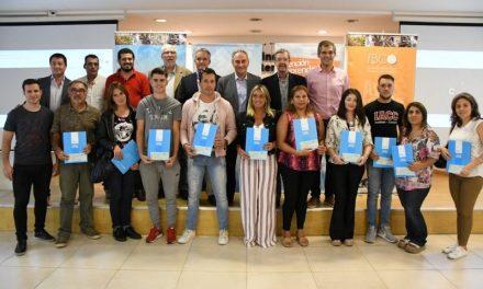 Emprendedores de Córdoba Capital y del interior de la Provincia recibieron créditos por un total de $ 1.068.000