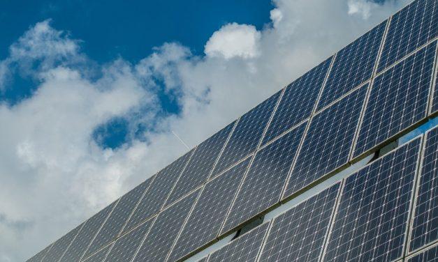 Lanzan créditos para que familias y pymes generen energía renovable