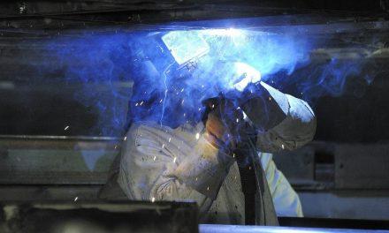 La industria pyme registró una baja por décimo mes consecutivo