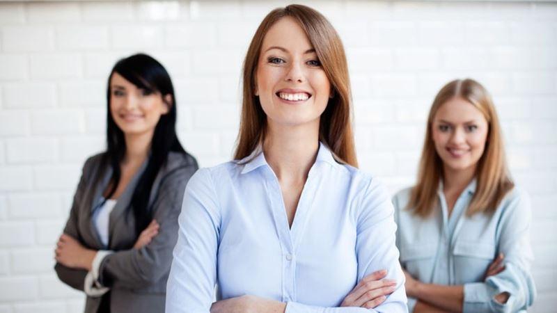 Mujeres al frente: cada vez más empleados las prefieren como líderes