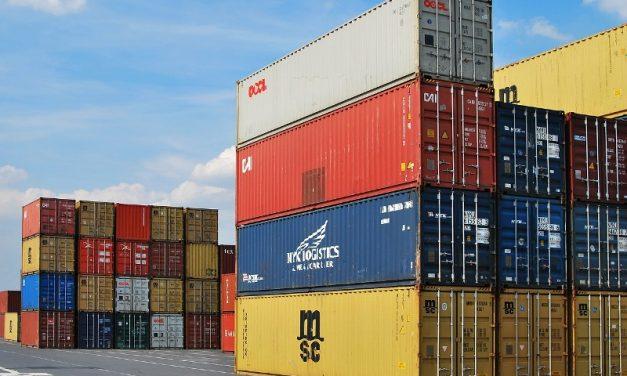 Aseguran que las exportaciones cayeron 15,5% en la era Macri