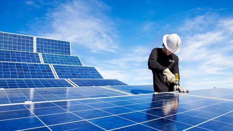 Pymes de renovables, castigadas por el Gobierno Nacional