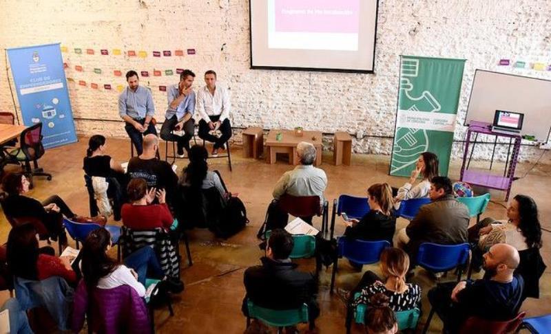Con 37 elegidos, el Club de Emprendedores inició su programa de incubación