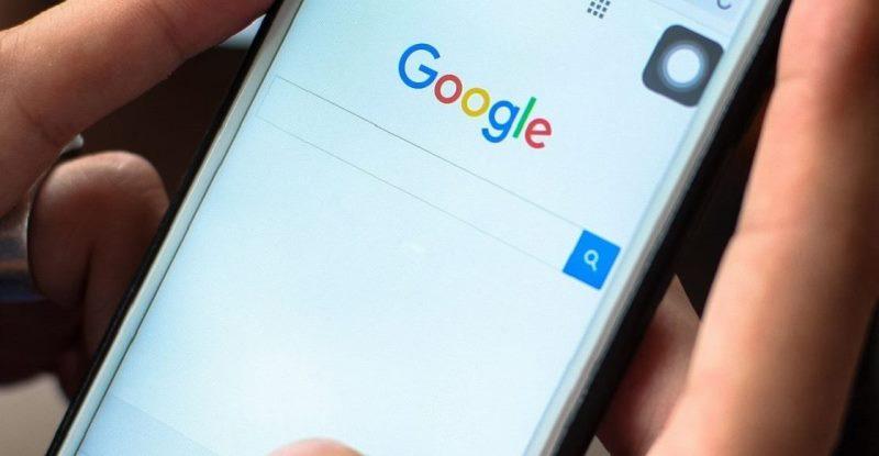 Cómo pueden saber los usuarios cuando alguien busca su nombre en Google