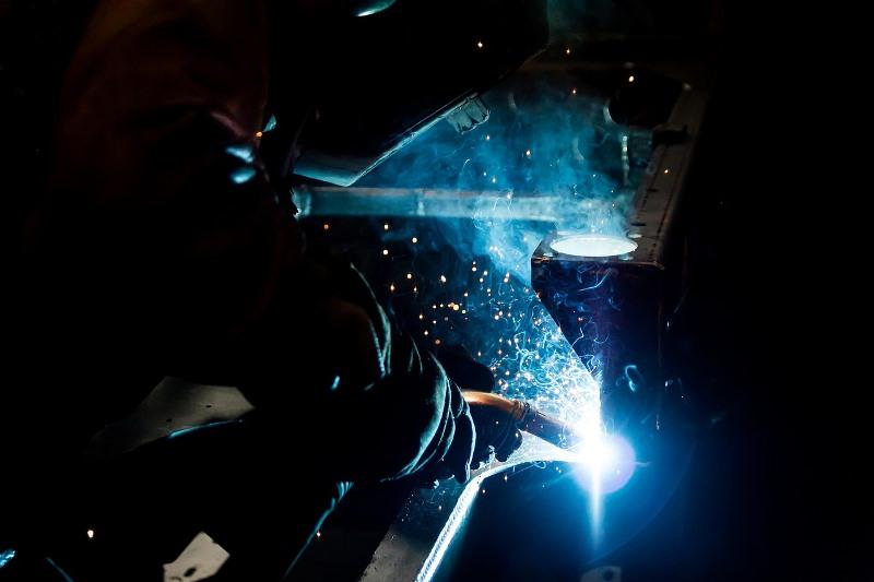 La producción de las pymes industriales bajó 6,5% y desaceleró levemente su caída