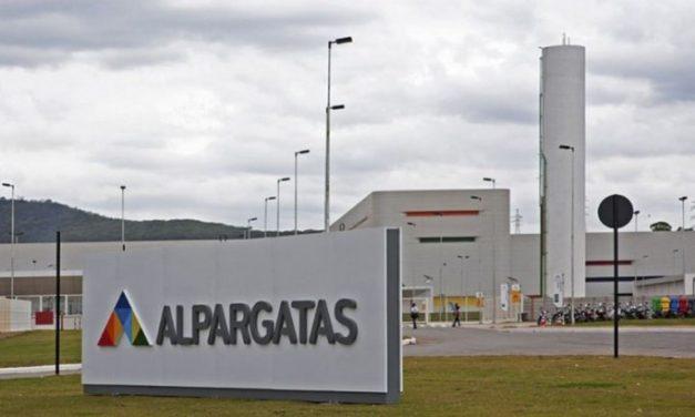 La legendaria Alpargatas ya no posee fábricas textiles en la Argentina