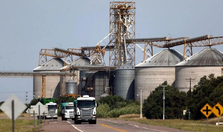 La economía cayó en junio 0,4% mensual y solo el agro mostró una recuperación