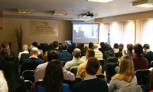 """Embajador argentino en Colombia instó a las pymes a """"no aflojar"""" ante """"la crisis"""" y exportar al país caribeño"""