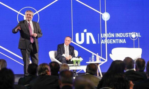 Alberto Fernández prevé impuestos y paritarias diferenciados por tipo de empresa