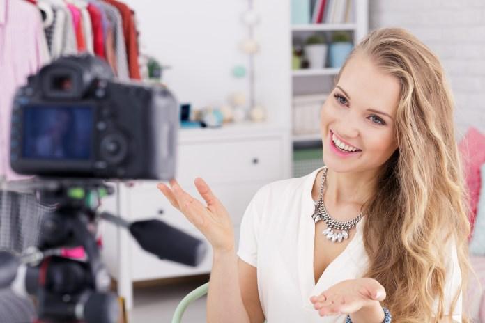 Streaming shopping: comprar mientras miramos un video en vivo