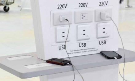 Advierten sobre el peligro de cargar tu smartphone en puertos USB públicos