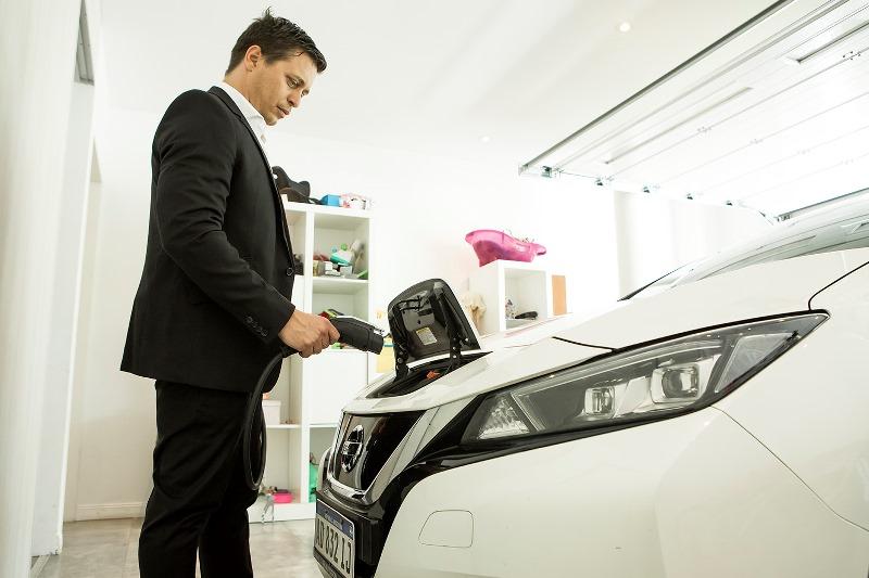 Movilidad eléctrica: Cómo funcionan los cargadores hogareños de autos