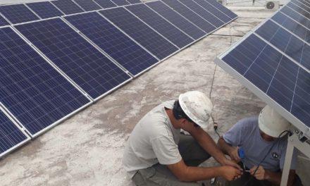 La cooperativa ucachense instala paneles solares e inyecta el excedente en la red