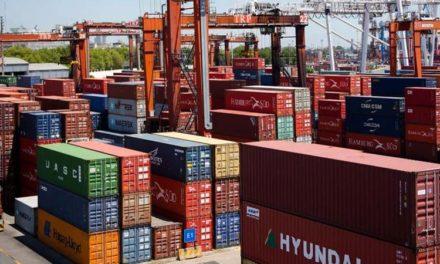La balanza comercial cerró 2019 con un superávit de 15.990 millones de dólares