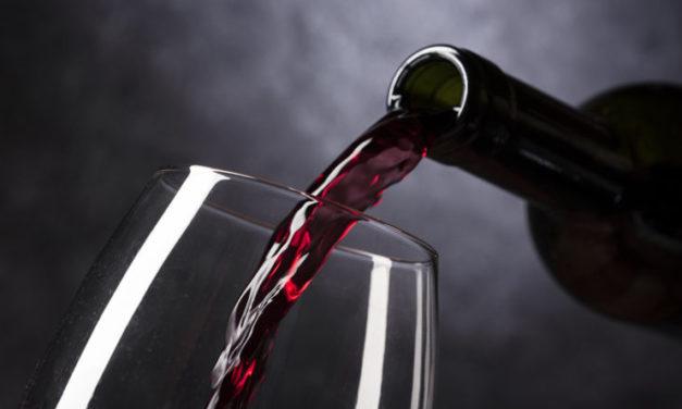 Una bodega argentina concretó una operación por 480.000 litros de vino malbec a granel a China
