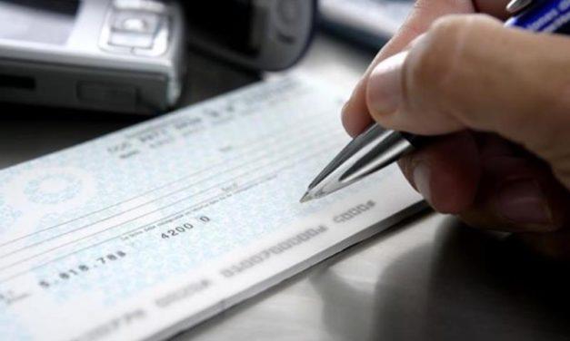 Las pymes piden que los bancos definan la cobertura de los cheques rechazados