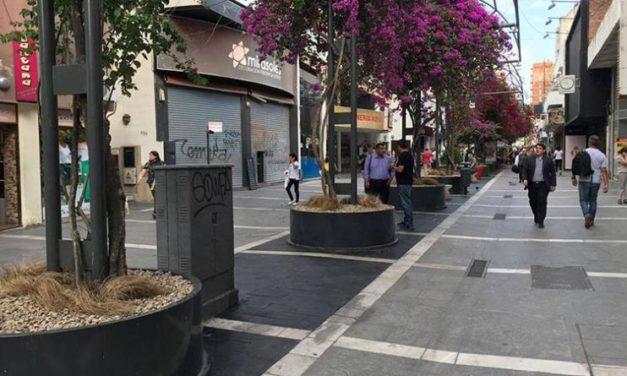 Comerciantes del centro de la Ciudad de Córdoba aseguran que abrirán sus negocios