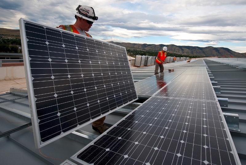 El Gobierno de Córdoba promueve el uso de la energía renovable