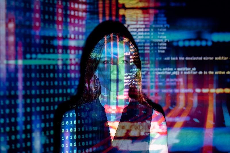 """Comienza ciclo de charlas virtuales """"Mujer y Tecnología"""""""