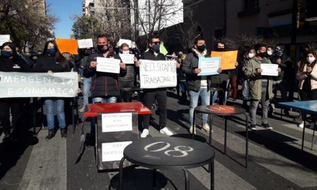 Gastronómicos de Córdoba Capital reclamaron la reapertura de bares y restaurantes