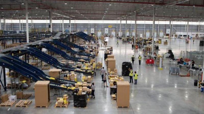 Camioneros bloquea tres centros de distribución de la empresa Mercado Libre