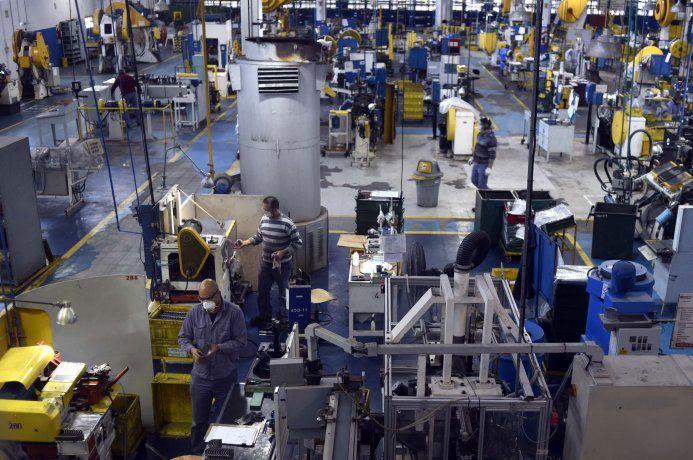 Pymes industriales denunciaron que los bancos privados les retiraron el financiamiento