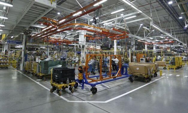 El cierre de empresas afectó menos a las fábricas