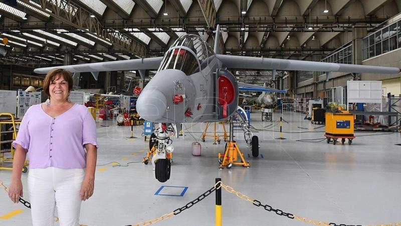 """La producción del avión IA-100 """"Malvina"""" será con pymes nacionales"""