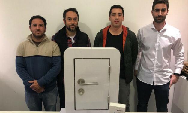 Emprendedores cordobeses desarrollan un llavero digital en celular para el ingreso a edificios