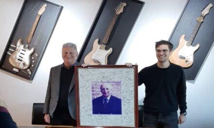 La empresa que exportó 2000 guitarras y contrató gente en plena pandemia
