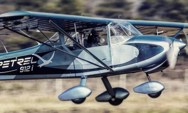 Firman acuerdo para fabricar el primer avión eléctrico del país
