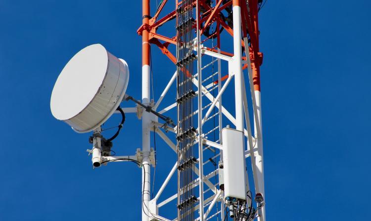 Grandes empresas de comunicaciones y cámaras pymes piden reforzar el diálogo con el Gobierno