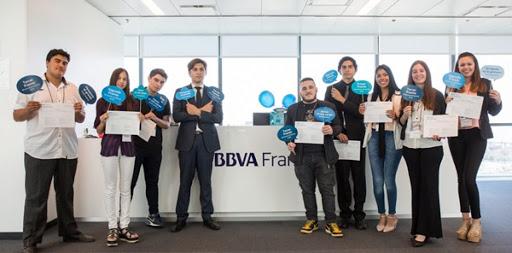 """BBVA convoca a jóvenes emprendedores a participar en la 5° edición de """"Mi Primera Empresa"""""""