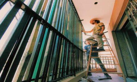 Emprendedores de Río Cuarto fabrican muebles ecológicos con residuos plásticos