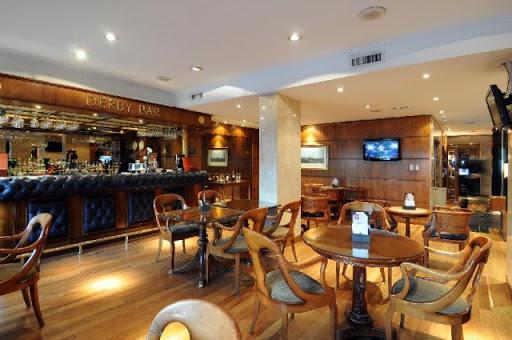 Reabrieron bares, restaurantes y gimnasios en Córdoba