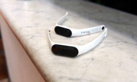 Fabrican en córdoba pulseras inteligentes que detectan casos de covid-19