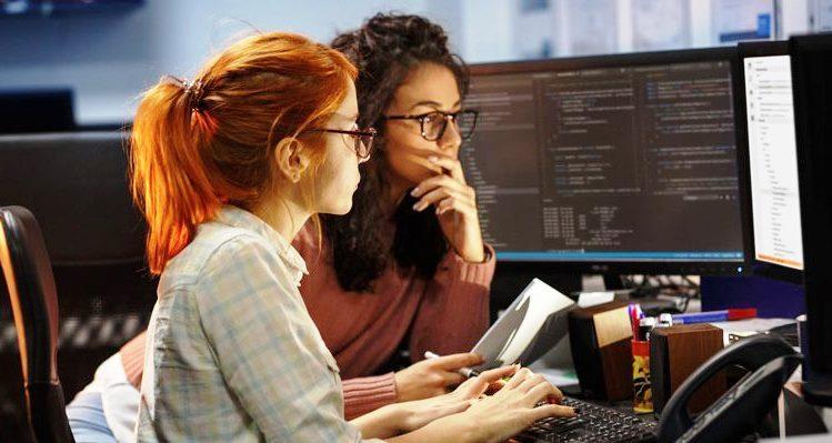 Las mujeres ocupan el 30% de los empleos en la industria del software en la Argentina